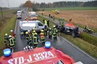 98-pol-std-drei-autoinsassen-bei-unfall-schwer-verletzt